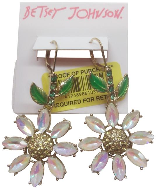 Item - White New Daisy Earrings