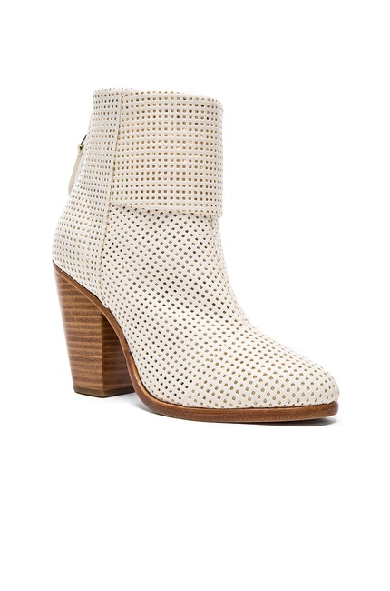 Item - Perforated White Classic Newbury (Se16) Celebs Boots/Booties Size EU 39 (Approx. US 9) Regular (M, B)