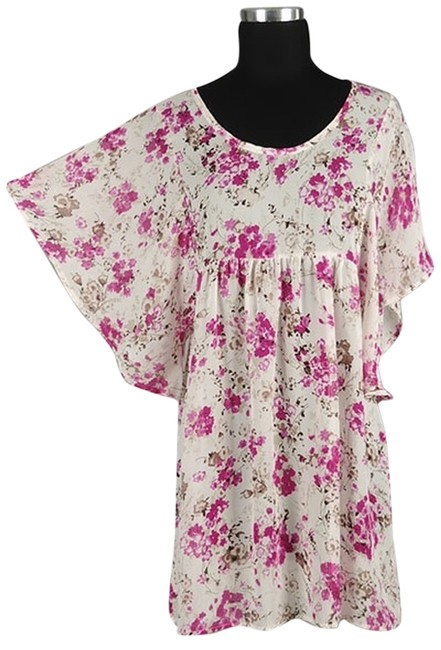 Preload https://item2.tradesy.com/images/multicolor-whit-floral-tunic-size-os-one-size-2802586-0-0.jpg?width=400&height=650
