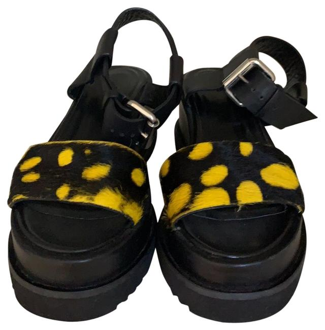 Item - Sandal Wedges Size EU 36 (Approx. US 6) Regular (M, B)