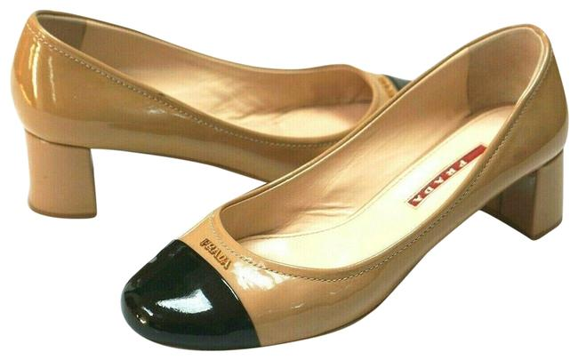 Item - Beige/Black Patent Leather Cap-to Logo Pumps Size US 7 Wide (C, D)