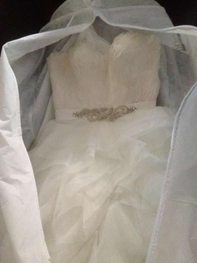 Pronovias Ivory Tulle and Feathers Wedding Dress Size 0 (XS)
