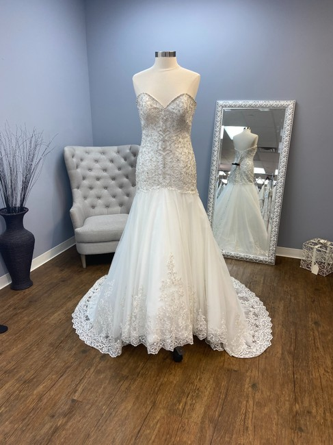 Item - Ivory Fit and Flare Gown Formal Wedding Dress Size 10 (M)
