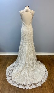 Allure Bridals Champagne Light Gold Lace V-neck Gown Traditional Wedding Dress Size 8 (M)