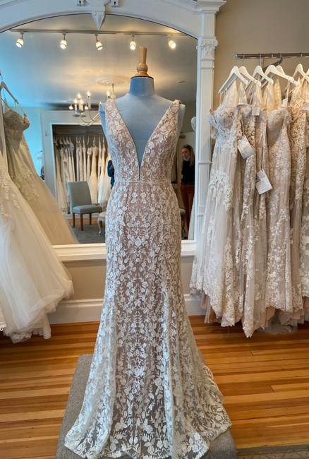 Item - Chai Tulle Style Carson Formal Wedding Dress Size 8 (M)