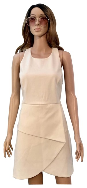 Item - White Ely Short Casual Dress Size 10 (M)