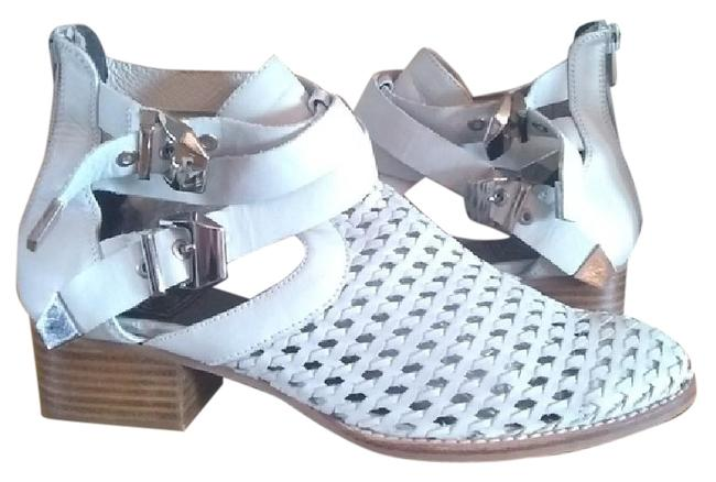 Item - Ivory 'everly' Cutout Boots/Booties Size US 9 Regular (M, B)