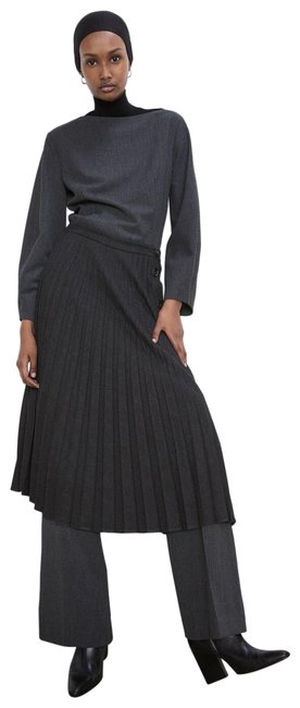 Item - Gray XS Pleated Buttoned Ref 7149/266 Skirt Size 0 (XS, 25)