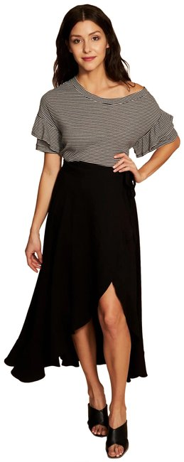 1.STATE Black and White Ruffle Off The Shoulder Tee Shirt Size 6 (S) 1.STATE Black and White Ruffle Off The Shoulder Tee Shirt Size 6 (S) Image 1