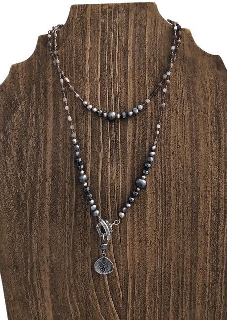 Item - Gray Silver Glass Bead Necklace