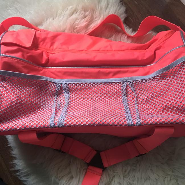 adidas By Stella McCartney Tote Backpack Tennis / Red Polyester Weekend/Travel Bag adidas By Stella McCartney Tote Backpack Tennis / Red Polyester Weekend/Travel Bag Image 2