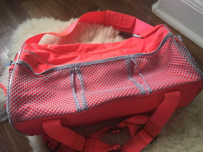 adidas By Stella McCartney Tote Backpack Tennis / Red Polyester Weekend/Travel Bag adidas By Stella McCartney Tote Backpack Tennis / Red Polyester Weekend/Travel Bag Image 4