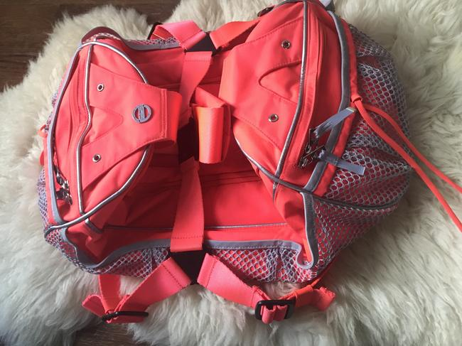 adidas By Stella McCartney Tote Backpack Tennis / Red Polyester Weekend/Travel Bag adidas By Stella McCartney Tote Backpack Tennis / Red Polyester Weekend/Travel Bag Image 9