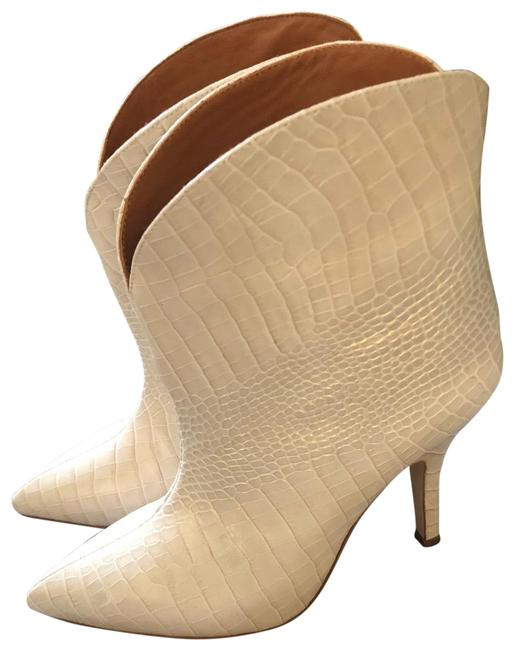 Item - White Ankle Boots/Booties Size EU 38 (Approx. US 8) Regular (M, B)