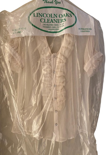 Item - Ivory Silk Ruffle Button-down Top Size 8 (M)