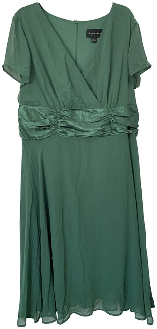 Item - Green V0034558l Long Cocktail Dress Size 20 (Plus 1x)