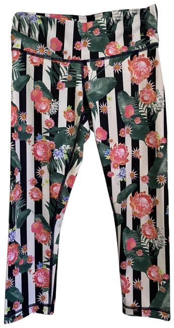 Item - Multicolor Nwot Floral Long Capri Pants Activewear Sportswear Size 4 (S, 27)