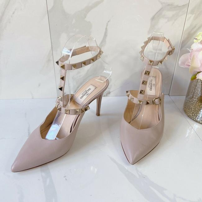 Item - Nude Poudre Garavani Rockstud Ankle T Strap Slingback Leather Pumps Size US 6.5 Regular (M, B)