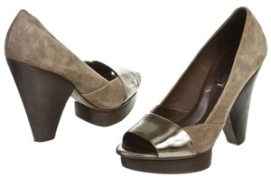 BCBG Max Azria Brown Pumps