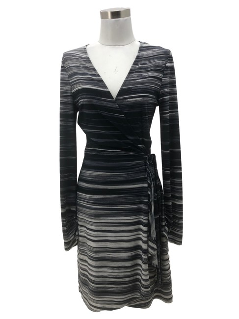 Preload https://img-static.tradesy.com/item/28056018/bcbgmaxazria-black-white-n734-bcbg-max-azria-designer-medium-10-grey-stripe-mid-length-formal-dress-0-0-650-650.jpg