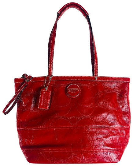 Preload https://img-static.tradesy.com/item/28056107/coach-signature-red-patent-leather-shoulder-bag-0-1-540-540.jpg
