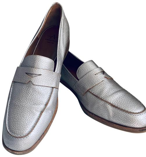 Preload https://img-static.tradesy.com/item/28056122/aquatalia-sharon-pebbled-leather-loafers-silver-gray-flats-size-us-7-regular-m-b-0-1-540-540.jpg