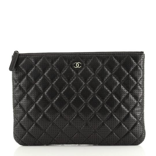 Preload https://img-static.tradesy.com/item/28056136/chanel-case-quilted-perforated-lambskin-medium-black-leather-clutch-0-0-540-540.jpg