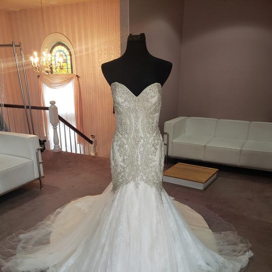 Preload https://img-static.tradesy.com/item/28056187/val-stefani-ivory-tulle-lace-d8106-sexy-wedding-dress-size-8-m-0-0-540-540.jpg
