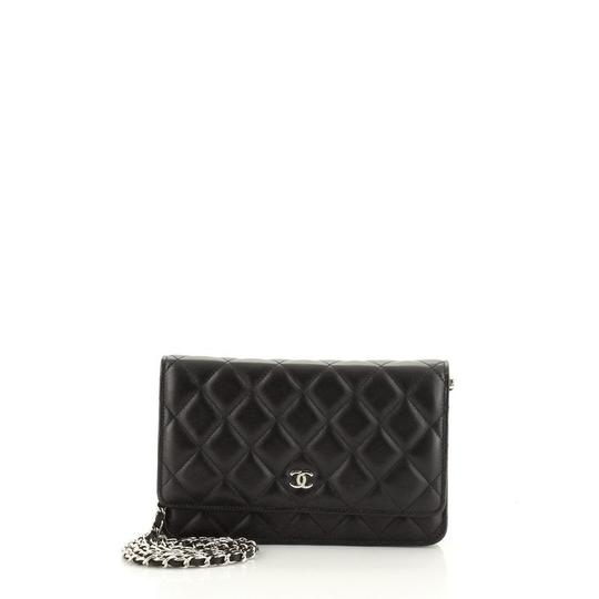 Preload https://img-static.tradesy.com/item/28056343/chanel-black-on-chain-quilted-lambskin-wallet-0-0-540-540.jpg