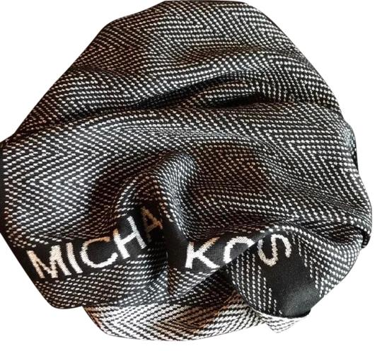 Preload https://img-static.tradesy.com/item/28056383/michael-kors-black-metallic-silver-signature-with-detail-s-scarfwrap-0-1-540-540.jpg