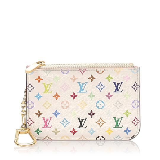 Preload https://img-static.tradesy.com/item/28058893/louis-vuitton-white-wallet-0-0-540-540.jpg