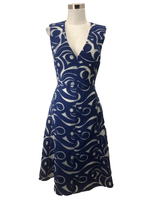 Item - Blue XS N717 Bcbg Max Azria Designer Embroidery Mid-length Formal Dress Size 2 (XS)