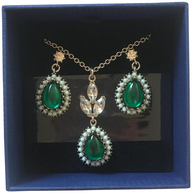 Item - Silver and Emerald Necklace