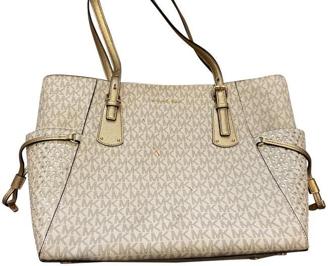 Item - Cream Leather Shoulder Bag