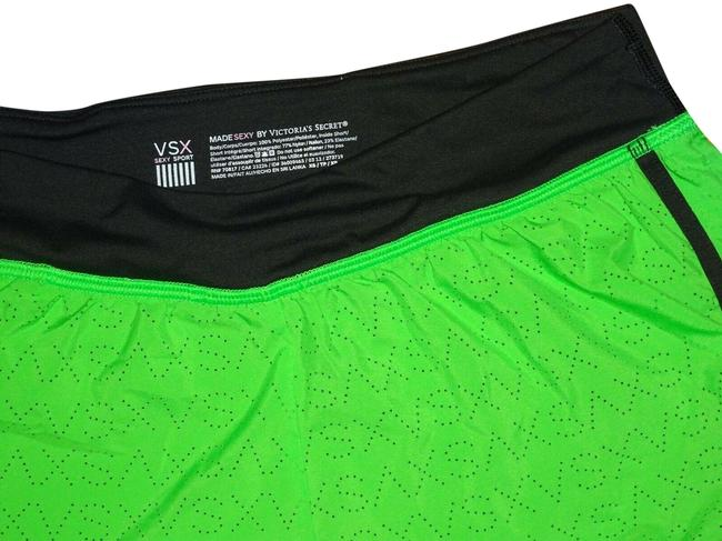 Item - Green Gym Shorts Size 0 (XS, 25)