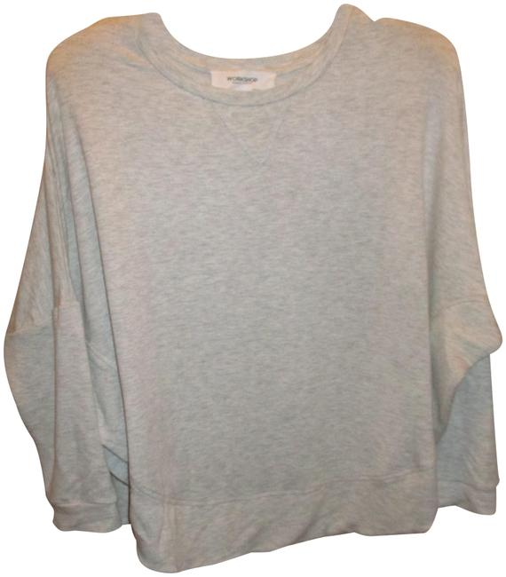 Item - Light Gray Pullover Sweatshirt/Hoodie Size 12 (L)