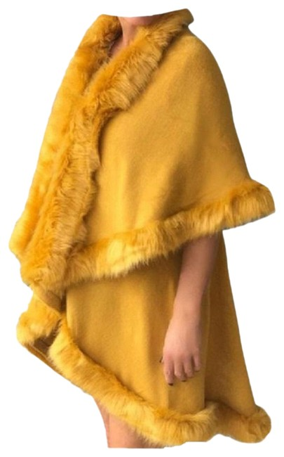 Item - Mustard Yellow Layered Fur Trimmed Half Vest Winter Wrap Poncho/Cape Size OS (one size)