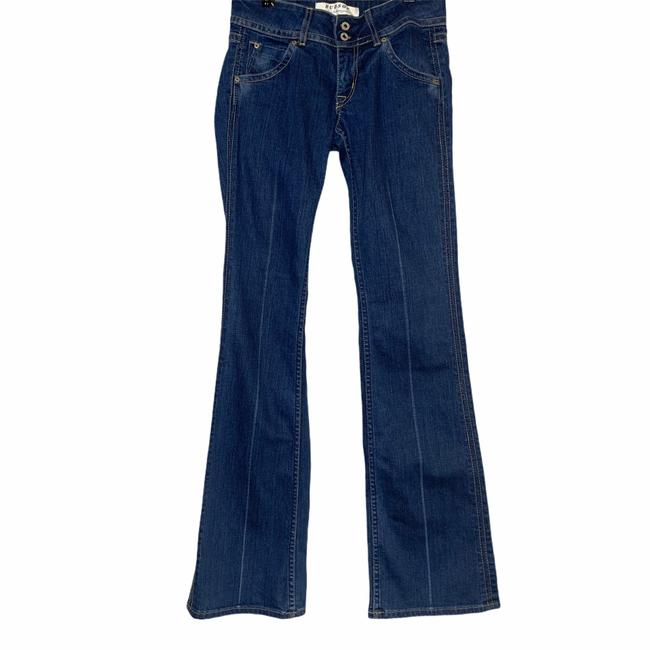 Item - Blue Signature Low Rise Form Fitting Boot Cut Jeans Size 27 (4, S)