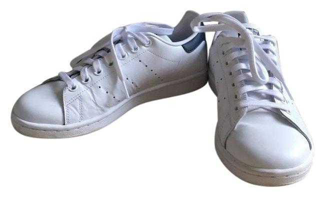 Item - White and Navy Sneakers Size US 6.5 Regular (M, B)
