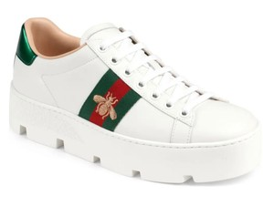 Gucci white leather/red metallic leather detail on the back of one shoe/green metallic leather detail on the back of the other shoe Athletic
