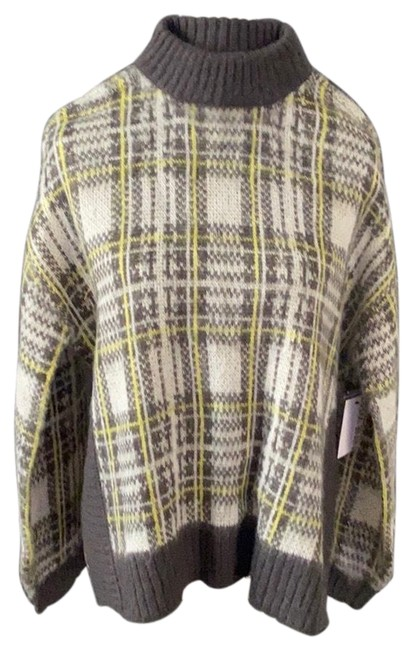 Item - Grey and Yellow Sweater