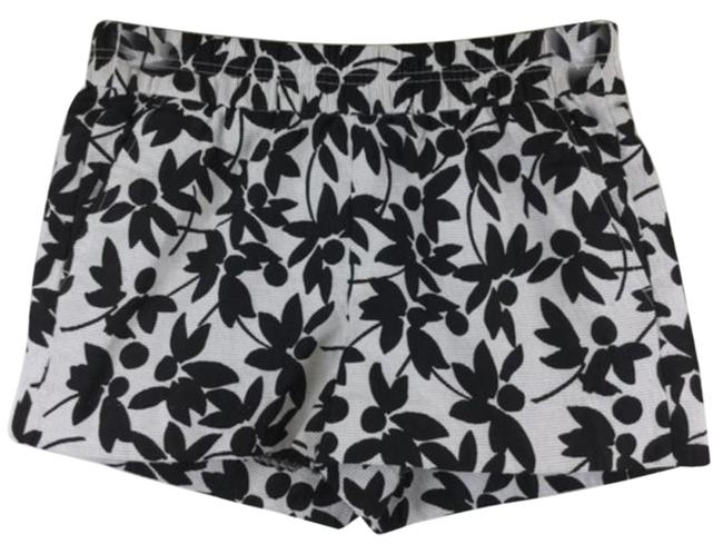 Item - Black White And with Pockets Shorts Size 2 (XS, 26)