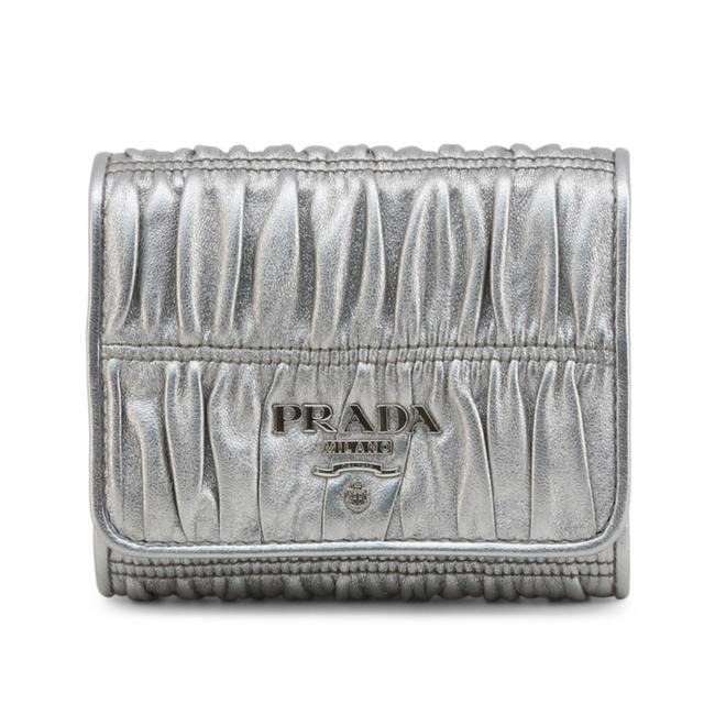 Item - Silver New Leather Trifold Card Case Coin Purse Wallet