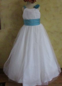 Alfred Angelo Ivory / Pool 6654 Modern Bridesmaid/Mob Dress Size 8 (M)