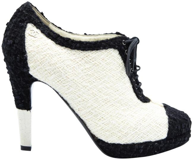 Item - White Tweed Lace Boots/Booties Size EU 38.5 (Approx. US 8.5) Regular (M, B)