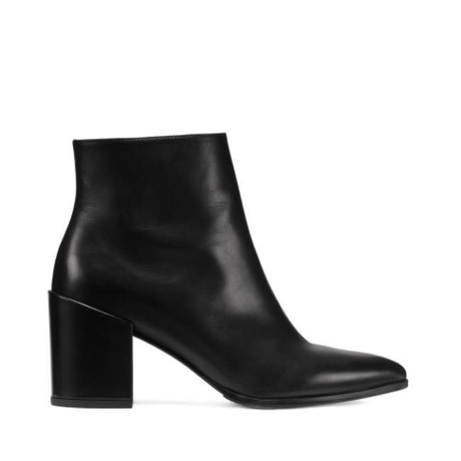 Item - Black Leather Trendy Pointy Boots/Booties Boots/Booties Size US 5.5 Wide (C, D)