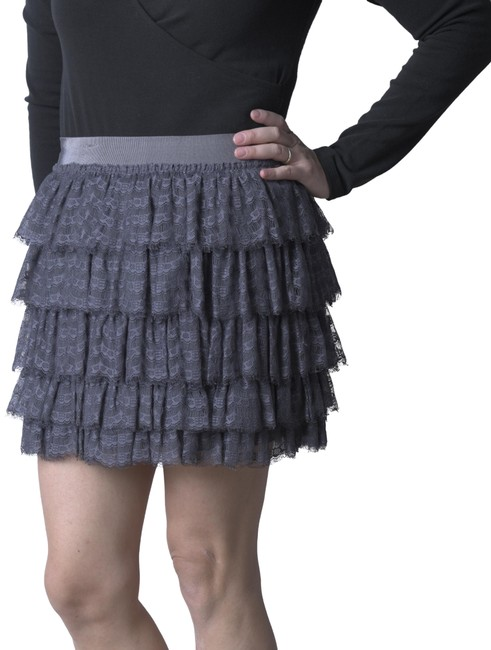 Item - Slate Tiered Lace Skirt Size 6 (S, 28)