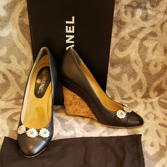 Item - Black Leather Pump with Silver Flower Accents Cork Hill 4inch Wedges Size US 10 Regular (M, B)