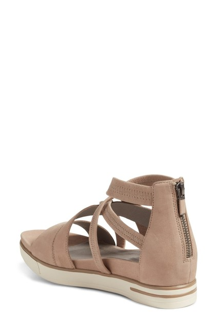 Item - Barley/Tan/Beige/White Worn Once Skill Strappy Sandals Size US 5 Regular (M, B)