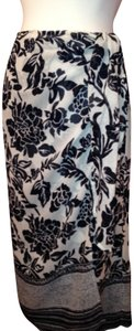 Talbots Skirt Navy & white Tropical Print~Ikat in feeling